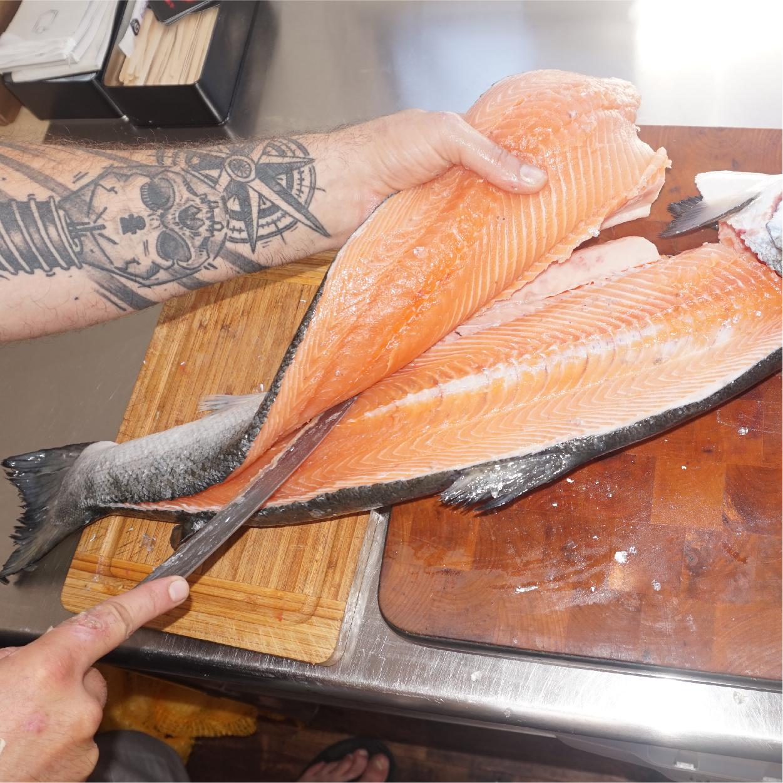 découpe poissons frais